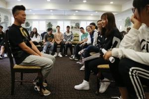 นักศึกษาจีนมีสัดส่วนเกือบเป็น 1 ใน 3 ของนักศึกษาต่างชาติในสหรัฐฯ  แต่เนื่องจากนโยบายลักษณะกีดกันของคณะบริหารโดนัลด์ ทรัมป์  นักศึกษาจีนจึงกำลังเดินทางมาศึกษาต่อในอเมริกาลดน้อยลง