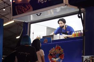 """""""FOOD TRUCK BATTLE"""" พร้อมเปิดศึก!! ส่ง """"ไอดอลไทย-เกาหลี"""" จัดเต็มความสนุกลงจอ 16 ก.ค. นี้แน่นอน"""