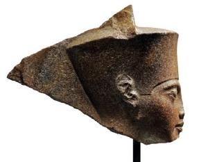 อียิปต์ร้องอินเตอร์โพลช่วยติดตาม 'เศียรฟาโรห์' อายุ 3,000 ปี หลังถูกประมูลขายในอังกฤษ