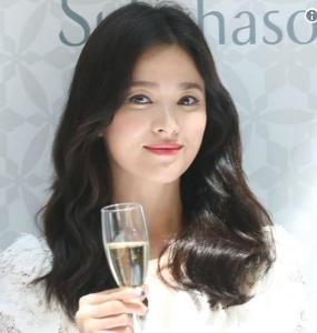 """""""ซองฮเยคโย"""" ยิ้มร่าสดใสออกอีเวนต์แรกไม่หวั่นโดนจับตาเพราะข่าวหย่า"""