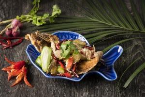 ลิ้มรสอาหารไทยท้องถิ่นแบบดั้งเดิม ที่ห้องอาหาร สยาม ที รูม