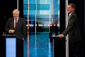 อดีตรมต.ต่างประเทศ Boris Johnson ดีเบตกับรมต.ต่างประเทศ Jeremy Hunt ในศึกชิงตำแหน่ง หัวหน้าพรรคและนายกฯ อังกฤษ