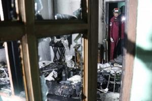 เกิดเหตุไฟไหม้กลางดึกบ้าน 2 ชั้น ผู้ป่วยโรคมะเร็งถูกไฟคลอกดับ