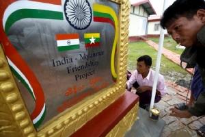 อินเดียส่งมอบบ้าน 250 หลัง ให้พม่าใช้รับโรฮิงญาลี้ภัยกลับประเทศ