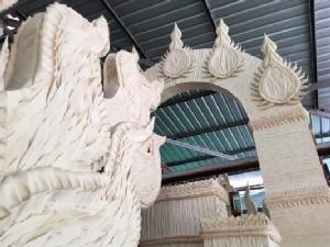 ต้นเทียนโบราณวัดหลวง อ.พิบูลมังสาหารปีนี้ งดงามเล่าเรื่องตำนานเมืองอุบลฯ