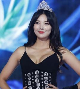 """ประกวดมิสเกาหลีร้อนฉ่าโดนวิจารณ์ใส่""""ชุดฮันบก""""วาบหวิวส่วนคนคว้ามงกุฎเป็นลูกสาว CEO ค่ายเพลงฉาว"""