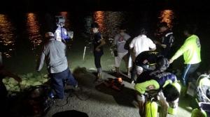 (ชมคลิป)วุ่นทั้งเมืองหนุ่มเมืออ่างทองถูกจับตรวจปัสสาวะ กลัวความผิดวิ่งหนีลงแม่น้ำเจ้าพระยา