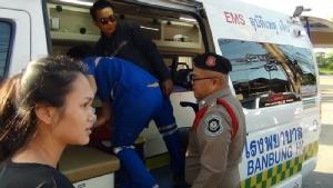 (ชมคลิป)คุณหมอจำเป็น ตร.ทางหลวงหนองปรือ ชลบุรี โชว์ทักษะทำคลอดหญิงวัย 23 ปี จนปลอดภัย