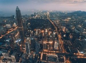 <i>การเดินทางด้วยรถยนต์ในเมืองเซินเจิ้นมีความสะดวกคล่องตัวยิ่งขึ้น ถึงแม้นครแห่งนี้มียวดยานถึง 3.4 ล้านคันสัญจรอยู่บนท้องถนน </i>