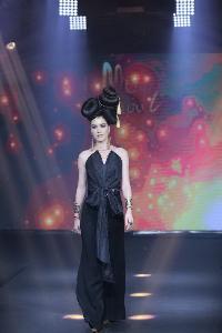 """""""แพนเค้ก""""  ควง """"ฮั่น"""" ร่วมเดินแบบ Hair Fashion Show ในงาน The Magic of Kerasilk by MOOI พร้อมเปิดตัว """"ลูกเกด KPN"""" แบรนด์แอมบาสเดอร์คนแรกของผลิตภัณฑ์ MOOI"""