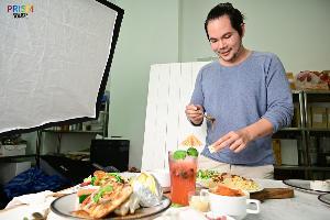 เสพศิลป์ กินของอร่อย กับ 'ดวงฤทธิ์ แคล้วปลอดทุกข์' ฟู้ดสไตลิสต์ชื่อดัง