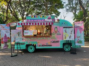 Yogurt Truck ไอศกรีมโฮมเมดแนวดีไซน์  โดย..เชฟขนมหวาน จากปท.อังกฤษ