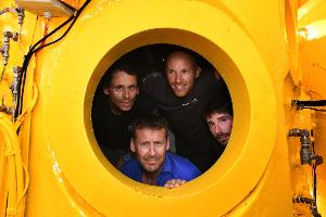 นักวิจัยฝรั่งเศสจบภารกิจ 28 วันลงสำรวจใต้น้ำลึก 120 เมตร
