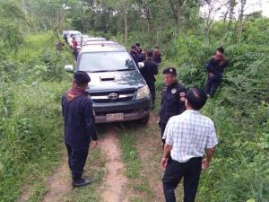 ชุดพยัคฆ์ไพรลุยจับคนรุกป่าพิษณุโลกไม่ยั้ง ล่าสุดอายัดทั้งแบ็กโฮ-รถ 6 ล้อขุดดิน ส.ป.ก.ขาย