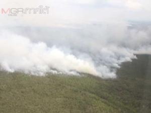 มทภ.4 บินตรวจแนวไฟป่าพรุพื้นที่ชะอวดพบยังลุกลามหนัก