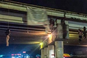 ภาพสยอง!!ขบวนการค้ายาเม็กซิโกจับแก๊งคู่อริแขวนคอห้อยต่องแต่งจากสะพาน