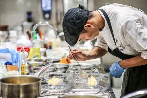 """ร่วมชื่นชมศักยภาพและเป็นกำลังใจให้เชฟรุ่นใหม่ ในการแข่งขันปรุงอาหารที่ท้าทายที่สุดในรอบปี """"แมริออท จูเนียร์ เชฟ คอมเพททิชั่น 2019"""""""