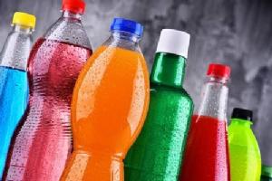 สาวญี่ปุ่นแนะเครื่องดื่ม 3 ชนิด ที่ควรหลีกเลี่ยงในช่วงฤดูร้อน และมาตรการต้านอาการขาดน้ำในฤดูร้อน