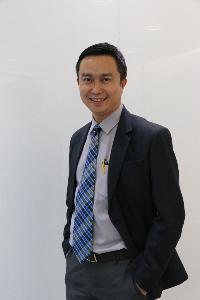 ดร.สุรชัย สถิตคุณารัตน์