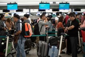 สนามบินฮ่องกงเปิดทำการอีกครั้ง-อ้างได้ 'คำสั่งศาล' ให้เคลื่อนย้ายผู้ชุมนุมที่ก่อความวุ่นวาย