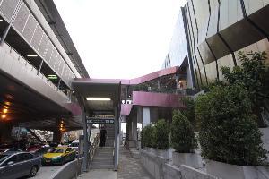"""""""เซ็นทรัลพลาซา ลาดพร้าว"""" อำนวยความสะดวกประชาชน เปิดให้บริการทางเชื่อมเข้าศูนย์ฯ กับรถไฟฟ้าสายสีเขียวสถานีห้าแยกลาดพร้าว"""