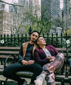"""เพิ่งถ่ายพรีเวดดิ้งจ้า """"วู้ดดี้"""" สุดเขินจูบแฟนหนุ่มกลาง Times Square (ชมคลิป)"""