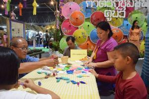 โค้งสุดท้ายงาน OTOP ศิลปาชีพประทีปไทยคาดเงินสะพัดไม่ต่ำกว่า 900 ล้าน