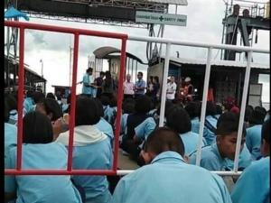 ดรามาหนัก! คณะครู-นักเรียนเกาะสมุยถูกเชิญลงจากเรือเฟอร์รี่ ให้นักท่องเที่ยวจีนได้ไปก่อน
