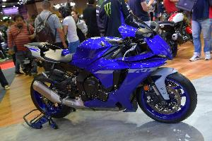 NEW YZF-R1