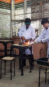 สาธิตการเชื่อมท่อน้ำยาเครื่องปรับอากาศด้วยเทคนิคเชื่อมไฟฟ้า