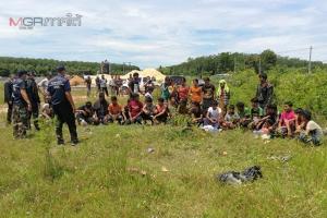 บุกช่วย 31 ชีวิตชาวโรฮิงญา ถูกขบวนการค้ามนุษย์ข้ามชาติพามาพักในป่าบ่อลูกรังร้าง