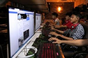 เฟซบุ๊กแบนเพจ-บัญชีผู้ใช้งานในพม่านับร้อย พบมีพฤติกรรมอำพรางตัวตน