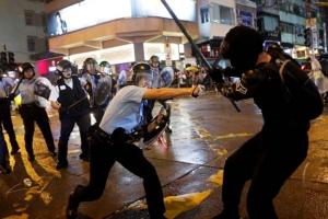การปะทะใน Tsuen Wan ภาพวันที่ 25 ส.ค. (ภาพ รอยเตอร์ส)