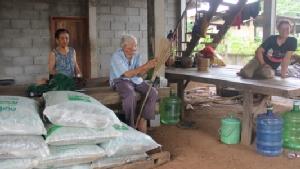 ทึ่ง! พบปู่ทวด 6 แผ่นดินอายุ 128 ปี เผยเพราะกินปลา-ผักลวกจิ้มแจ่วทำให้อายุยืน
