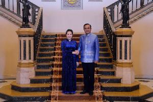 นางสาวเหวียน ถิ กีม เงิน (H.E. Ms. Nguyen Thi Kim Ngan) ประธานสภาแห่งชาติสาธารณรัฐสังคมนิยมเวียดนาม เข้าเยี่ยมคารวะนายกรัฐมนตรีเนื่องในโอกาสเยือนประเทศไทยอย่างเป็นทางการในฐานะแขกของรัฐสภาไทย ณ ห้องสีงาช้าง ตึกไทยคู่ฟ้า ทำเนียบรัฐบาล