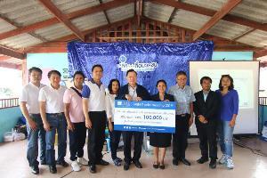 ลลิลฯ พร้อมคณะสื่อมวลชนร่วมมอบเงินสนับสนุนเด็กไทย