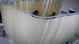 พ่นพิษคลิปฉาวทั้งอำเภอ! อส.รูดม่านห้องพักคนไข้ยำเด็กแว้นคาเตียง รพ. ล่าสุดพ่อเมืองชลบุรี สั่งสอบ