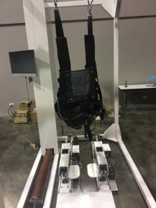 """สบส.สร้าง """"หุ่นยนต์ช่วยฝึกเดิน"""" ในเด็กพิการแขนขาอ่อนแรง สำเร็จครั้งแรก"""