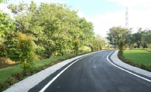 'ถนนพลาสติกรีไซเคิล' ทนทานกว่า ช่วยลดขยะทะเลได้อีกต่างหาก