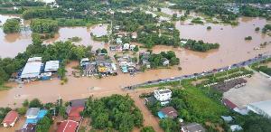 ยับเยิน! พิษน้ำท่วมทำไร่นาพิษณุโลกเสียหายแล้วกว่า 1.5 แสนไร่ คนเดือดร้อนกว่าครึ่งหมื่น