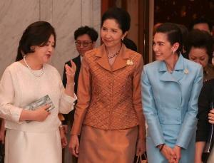 """""""นุสบา"""" ร่วมภริยานายกฯ เทคแคร์ ภริยาประธานาธิบดีเกาหลีใต้"""