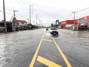 ยโสธร-อุบลราชธานี-อำนาจเจริญ ยังอ่วม ถนน 15 แห่งน้ำท่วมสูง