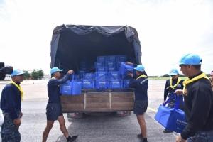 คิง เพาเวอร์ ไทย เพาเวอร์ พลังคนไทย ส่งมอบถุงยังชีพกว่า 500 ชุด ช่วยเหลือผู้ประสบอุทกภัยในพิษณุโลก