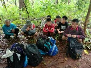 วิ่งหนีกันป่าราบ!จนท.ล้อมจับต่างด้าวลอบเดินฝ่าฝนข้ามเขาไกลกว่า 100 กม.เข้าไทย
