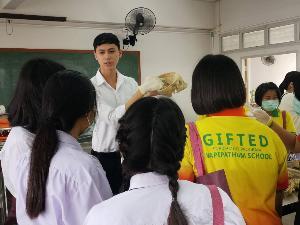 """เรียนดี มีจิตอาสา """"รอมมาฎอน สองเมือง"""" นักศึกษาทุนพระราชทาน ประจำปีการศึกษา 2562"""