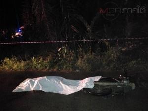 คนร้ายลอบยิงหนุ่ม 10 ล้อเสียชีวิตกลางถนนในหมู่บ้าน พบปมขัดแย้งเรื่องที่ดิน