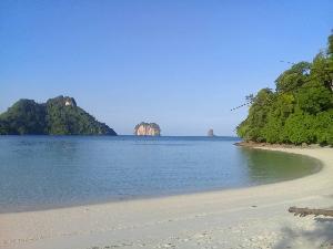 """รู้จัก """"เกาะปอดะ"""" ที่เที่ยวดัง จ.กระบี่ ในวันกลับคืนสู่แผ่นดินแม่"""
