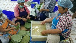 """""""กมลวรรณ"""" ขนมไทยร้านดังของ เมืองแม่กลอง ขายปลีก ส่ง"""