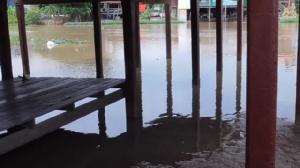 ชาวบ้านโล่งอก ระดับน้ำแม่น้ำน้อยลดลงอย่างต่อเนื่อง