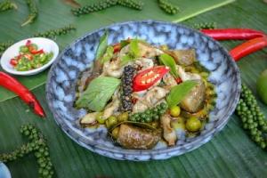 """หรอยแรง แกงใต้ เต็มอิ่มกับ """"บุฟเฟต์อาหารไทย"""" ที่ห้องอาหารพระยา คิทเช่น"""